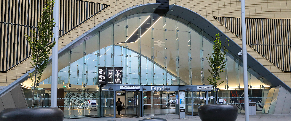 Bolted glass facades for Dundee Railway Station